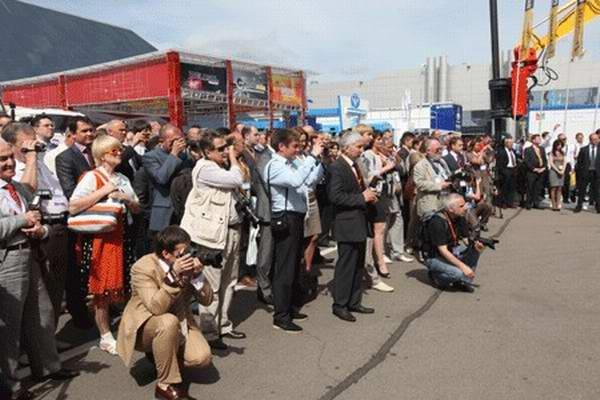 В Московском Экспоцентре открылась Нефть и Газ - MIOGE-2011 - Изображение