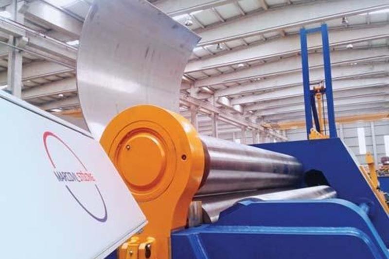 На «Саратовском арматурном заводе» заработала новая гидравлическая трёхвалковая машина