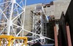 На Ленинградской АЭС начали монтировать стометровую вентиляционную трубу