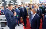 Президент Республики Татарстан оценил стенд «Транснефти» на выставке «Нефть, газ. Нефтехимия»